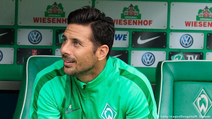 Desde que Claudio Pizarro regresó al Bremen, el equipo ha disputado 450 minutos de fútbol, pero solo 181 con el peruano.