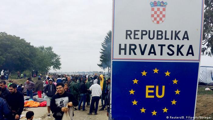 Kroatien Serbien Flüchtlinge bei Tovarnik 22.09.2015