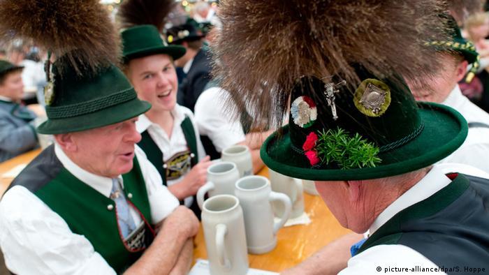 Bildergalerie Oktoberfest 2015 (picture-alliance/dpa/S. Hoppe)