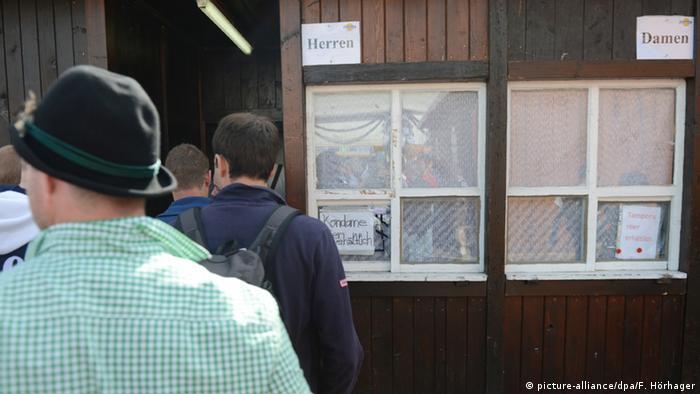 Deutschland Toiletten auf dem Oktoberfest in München