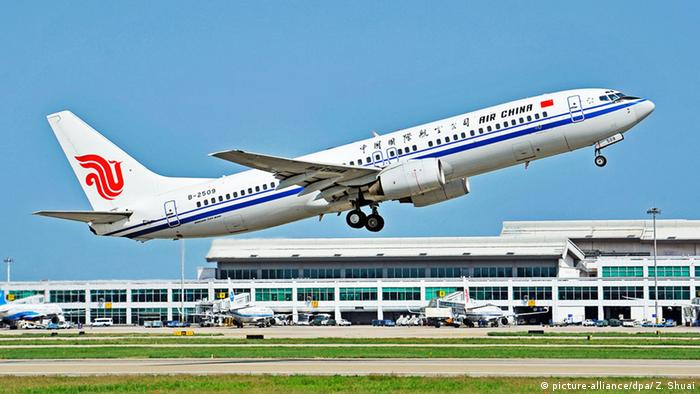 China Flugzeug Boeing (picture-alliance/dpa/ Z. Shuai)