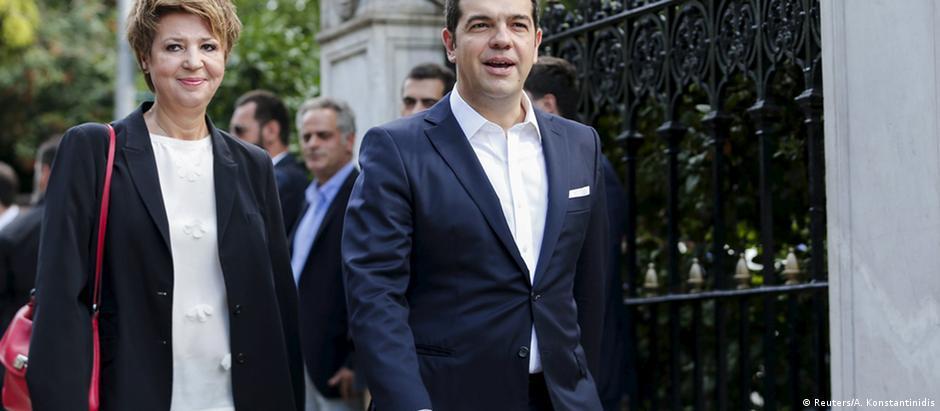 Tsipras participa de posse do governo em Atenas