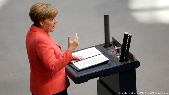 Angela Merkel Bundestag Rede Reichstag Berlin Deutschland