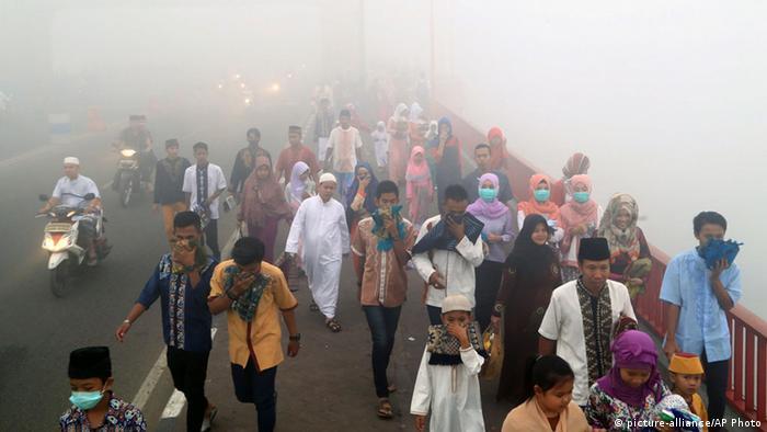 Indonesien Rauch und Waldbrände