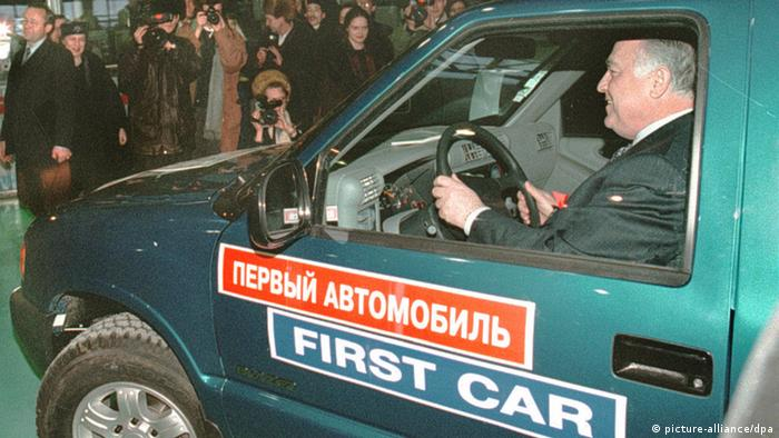 Виктор Черномырдин за рулем первого Шевроле Блейзер