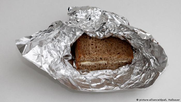 Butterbrot in Aluminiumfolie