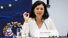 Eine große Delegation der EU-Komision und des EU-Parlaments besuchte Kiew, wo europäische Vertreter mit den ukrainischen Politikern Fragen der parlamentarischen Reformen erörtert haben. EU-Kommissarin für Justiz und Verbraucherschutz Vera Jurova.