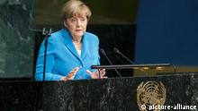 NEW YORK, Sept. 25, 2015 (Xinhua) -- German chancellor Angela Merkel addresses the Sustainable Development Summit at United Nations headquarters in New York, Sept. 25, 2015. A momentous sustainable development agenda, which charts a new era of sustainable development until 2030, was adopted on Friday by 193 UN member states at the UN Sustainable Development Summit at the UN headquarters in New York. (Xinhua/Li Muzi) // eingestellt von se