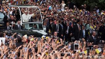 Begeisterter Empfang für den Papst im Central Park in New York