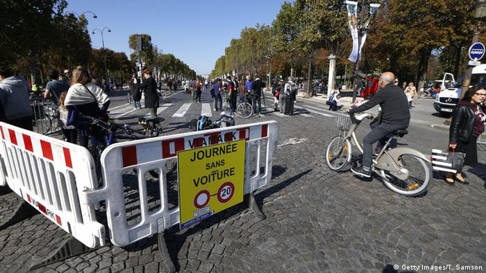 Absperrungen in Paris , Foto: AFP