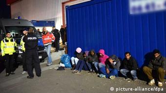 Eingang zur Flüchtlingsunterkunft Kassel-Calden