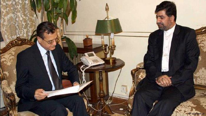 غضنفر رکنآبادی در حضور عدنان منصور، وزیر خارجه وقت لبنان