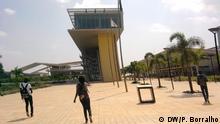 BILD 1: Universidade Agostinho Neto - Angola Titel: Universität Agostinho Neto in Luanda, Angola Schlagworte: Universität, Agostinho Neto, Luanda, Angola Wer hat das Bild gemacht?: Pedro Borralho Wann wurde das Bild gemacht?: k.A. Wo wurde das Bild aufgenommen?: Luanda, Angola Bildbeschreibung: Bei welcher Gelegenheit / in welcher Situation wurde das Bild aufgenommen? Wer oder was ist auf dem Bild zu sehen? Universität Agostinho Neto in Luanda, Angola In welchem Zusammenhang soll das Bild/sollen die Bilder verwendet werden?: Artikel Bildrechte: - Der Fotograf / die Fotografin ist (freie) Mitarbeiter(in) der DW, so dass alle Rechte bereits geklärt sind. Copyrightangabe: P. Borralho/DW
