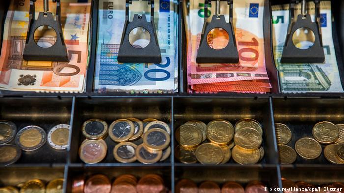 Deutschland Symbolbild zum Allianz Global Wealth Report 2015