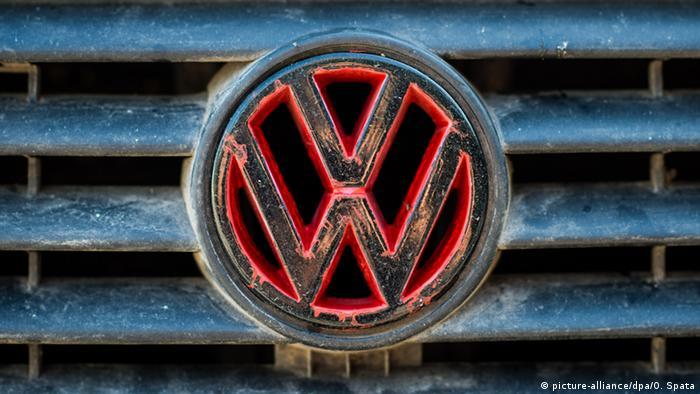 Deutschland VW Logo zum Abgasskandal
