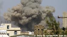 Jemen Luftangriff auf die Al-Dailami-Basis in Sanaa
