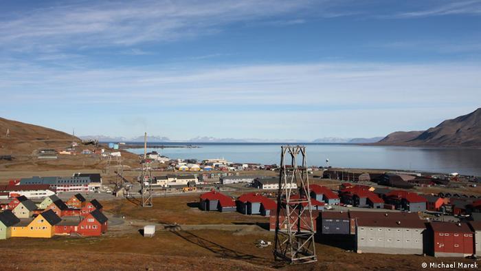 Das Dorf Longyearbyen auf Spitzbergen, Norwegen (Photo: Michael Marek)