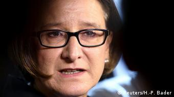 Πλήθος αντιδράσεων προκάλεσαν οι δηλώσεις της αυστριακής υπουργού Εσωτερικών Γιοχάνα Μικλ-Λάιτνερ