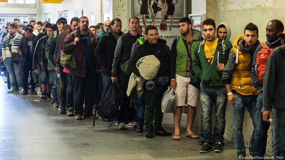 Европол: Контрабандисты заработали на беженцах до 6 млрд долларов | Новости из Германии о Европе | DW | 17.01.2016