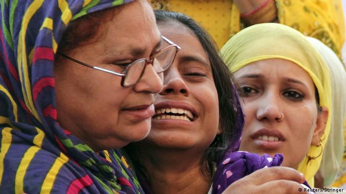 Verwandte von Mohammad Akhlaq, der von einem Mob gelyncht wurde