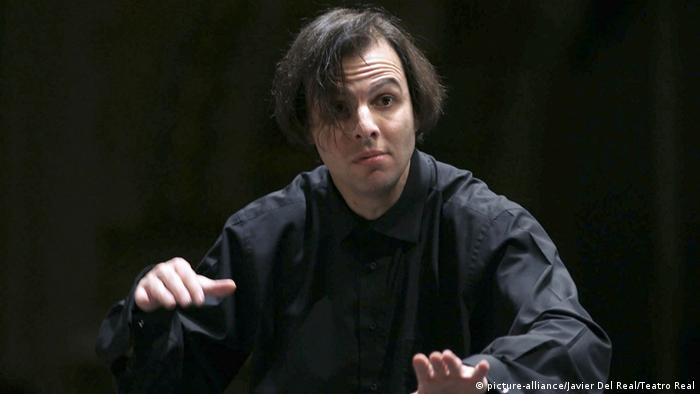 Conductor Teodor Currentzis (picture-alliance/Javier Del Real/Teatro Real)