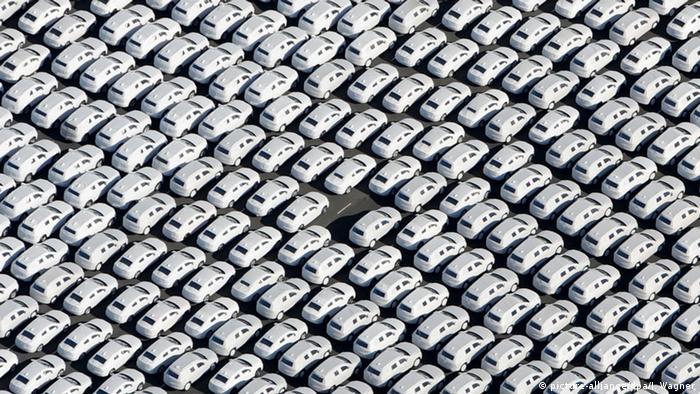Deutschland Abgas-Skandal: VW sucht nach Wegen aus der Krise