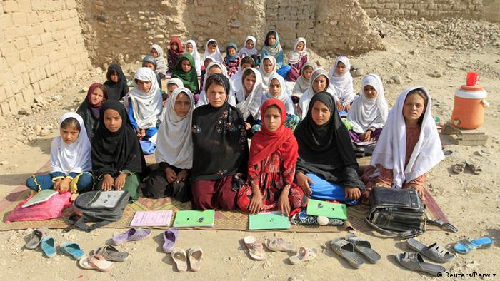 Afghanistan Klassenzimmer in Jalalabad (Foto: REUTERS/Parwiz)