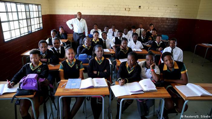 Südafrika Klassenzimmer in Soweto (Reuters/S. Sibeko)