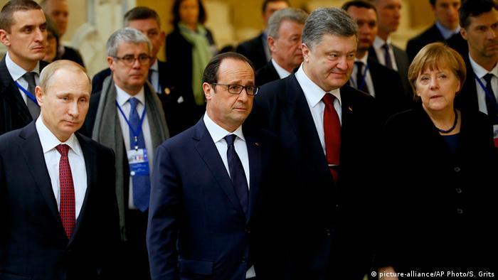 Weißrussland Treffen von Putin, Hollande Poroschenko und Merkel in Minsk (picture-alliance/AP Photo/S. Grits)