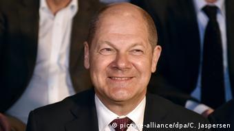 Deutschland Hamburg Erster Bürgermeister Olaf Scholz in der Bürgerschaft