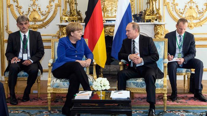 Paris Ukraine-Gipfel Merkel und Putin (Reuters/E. Laurent)
