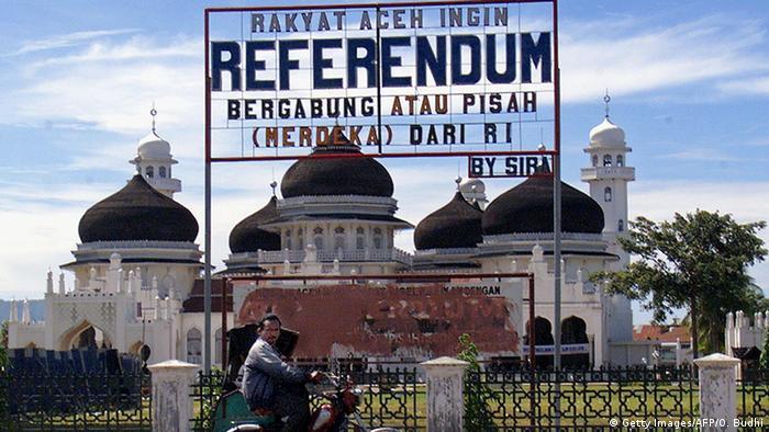 Bildergalerie Indonesien Banda Aceh 1999 70 Jahre indonesische Streitkräfte