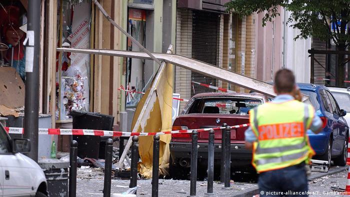 Keupstrasse u Kölnu 2004. nakon terorističkog napada