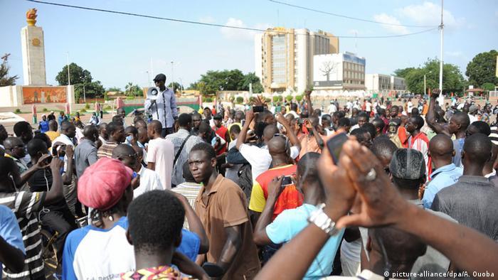 Burkina Faso Spannungen Proteste gegen Präsidentengarde Armee