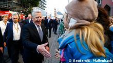 Joachim Gauck Tag der Deutschen Einheit Frankfurt Straßenszene Bürger