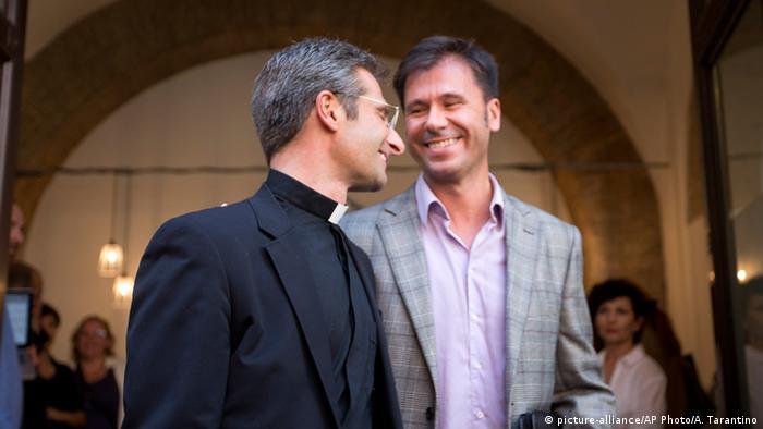 Gleichgeschlechtliche Priester