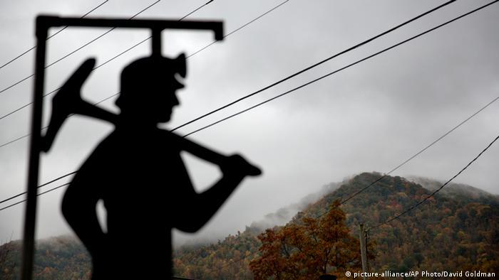 Symbolbild Kohle Mine Kohlearbeiter Minenarbeiter