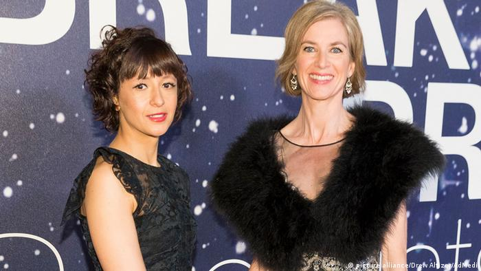 Genetics scientists Emanuelle Charpentier (left) and Jennifer A. Doudna (right) at the Breakthrough Prize Awards in 2014
