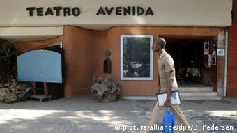Teatro Avenida Henning Mankell Theater in Maputo Afrika