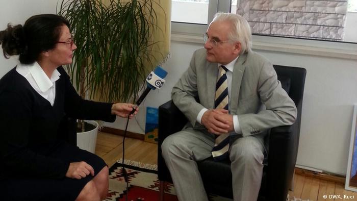 Albanien Botschafter Hellmut Hoffmann im DW-Interview in Tirana