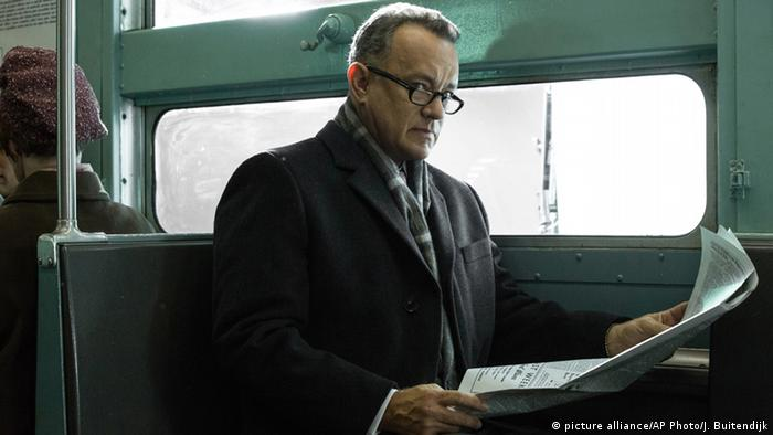 USA Schauspieler Tom Hanks in dem Film Bridge of Spies (picture alliance/AP Photo/J. Buitendijk)