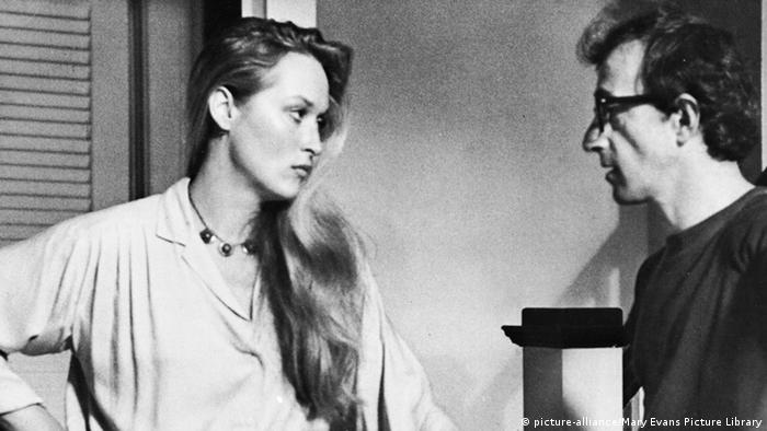 Scene from Woody Allen's Manhattan (1979), Mery Streep and Woody Allen (picture-alliance).