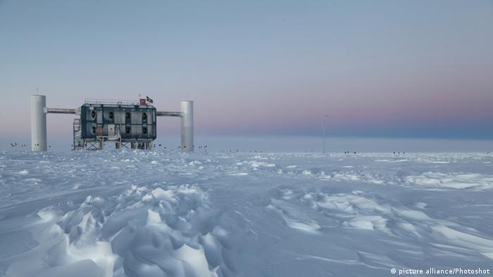Neutrinodetektor in der Antarktis NSF