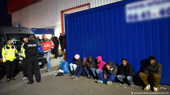 Zeltlager in Calden Flüchtlinge Schlägerei Gewalt Erstaufnahmelager Hessen Deutschland