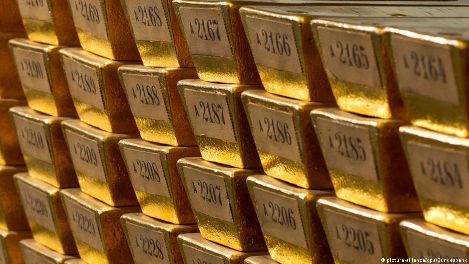 Золотые слитки в хранилище Бундесбанка во Франкфурте-на-Майне