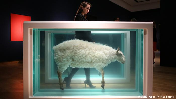 Bildergalerie Damien Hirst Away from the Flock