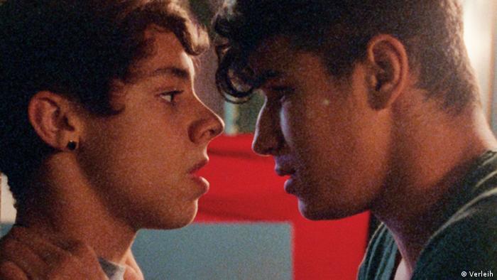 Bildergalerie Queer Cinema Lesbisch Schwulen Filmtagen Hamburg 2015 escondidas EINSCHRÄNKUNG