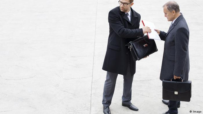Symbolbild Whistleblower Konzern Geschäft Firma (Imago)