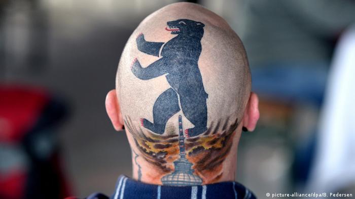 Татуировка с изображением Берлинской телебашни