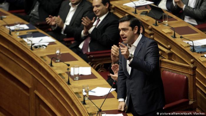 Griechenland - Tsipras stellt sich der Vertrauensfrage (picture-alliance/dpa/A. Vlachos)